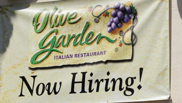 Olive Garden, Red Lobster Scale Back Employee Work Hours to Avoid ...
