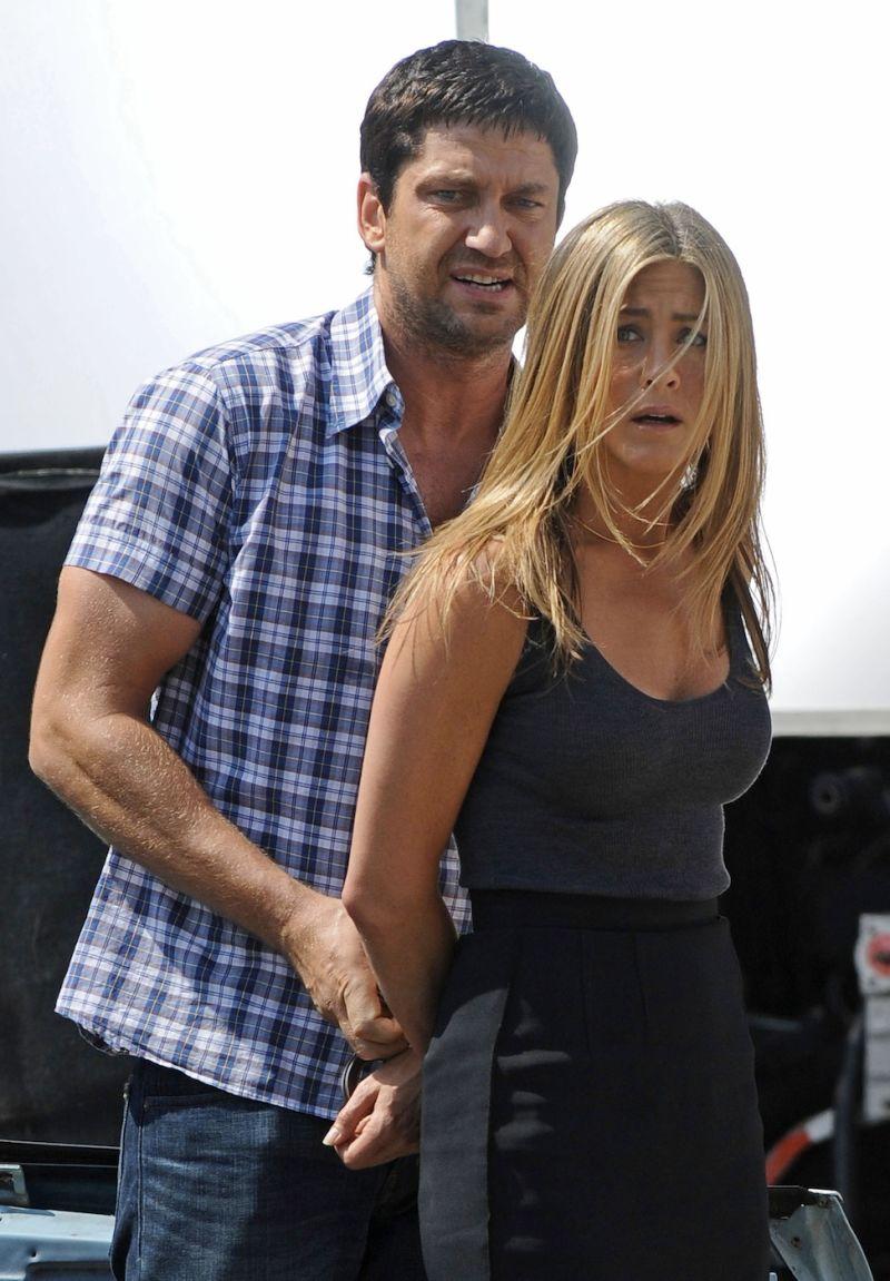 Gerard Butler Jennifer Aniston Kissing