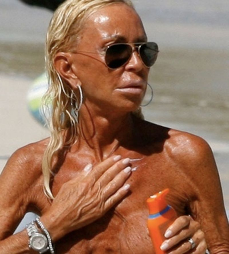Donatella topless lookalike thats check versace