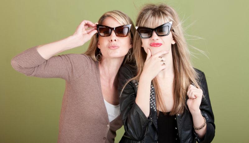 Mother Disguises Herself as Daughter to Take Exam in Her Place