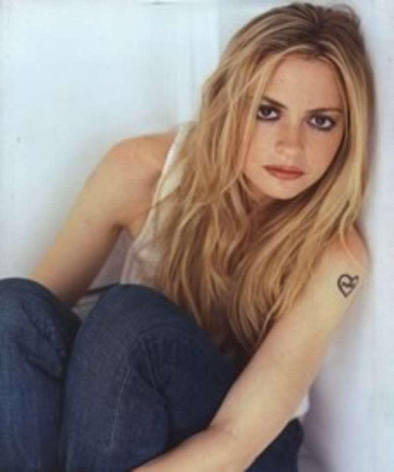 an analysis of elizabeth wurtzel struggle with depression throughout her life Elizabeth wurtzel, the bestselling author who gained notoriety with her confessional, first-person narratives about her depression, is now 45 and sadder than ever, which she has, once again, confessed in a first-person piece she says her life is shitty because it doesn't have meaning.