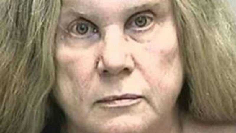 Florida Woman Assaults Officer With Unwanted Kiss on Nose