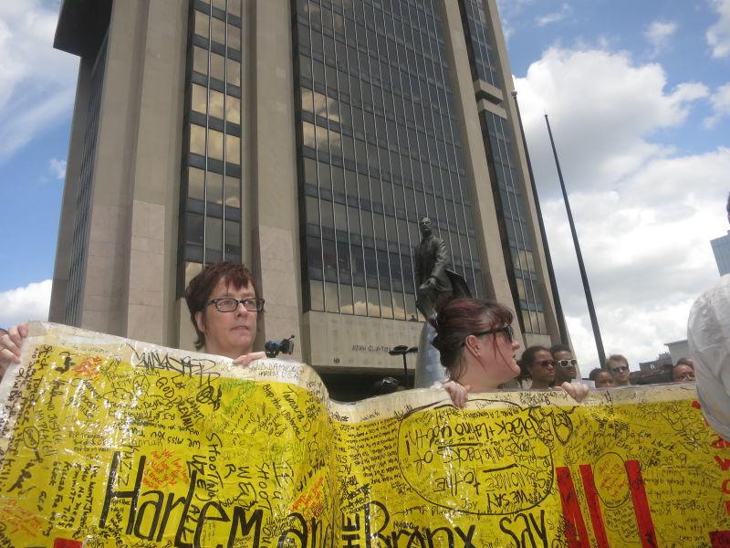 Crowds Gather in Harlem Demanding Justice for Trayvon