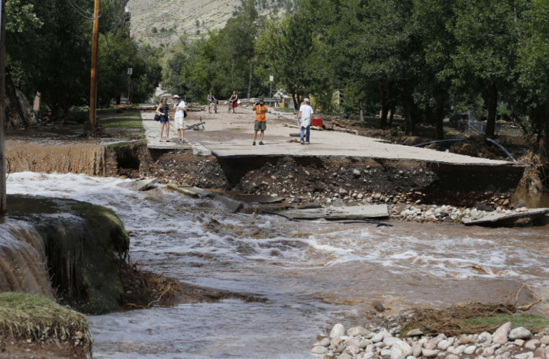 flooding gawker more than 200 people missing as flooding continues in colorado
