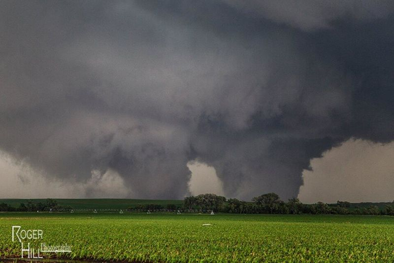 Twin Tornadoes Forming How Did The Rare Twin ...