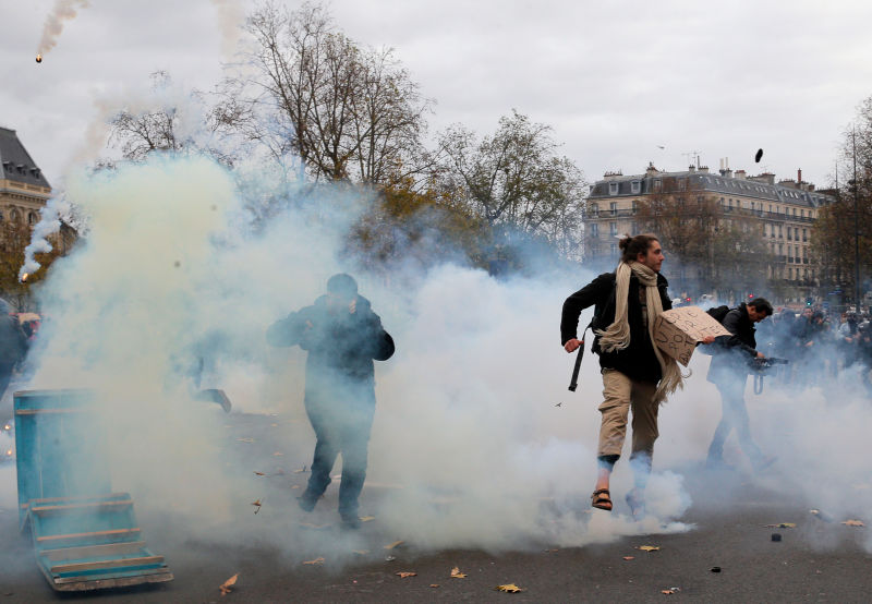 Police Are Firing Tear Gas Into Crowds at the Insane Climate Protests in Paris