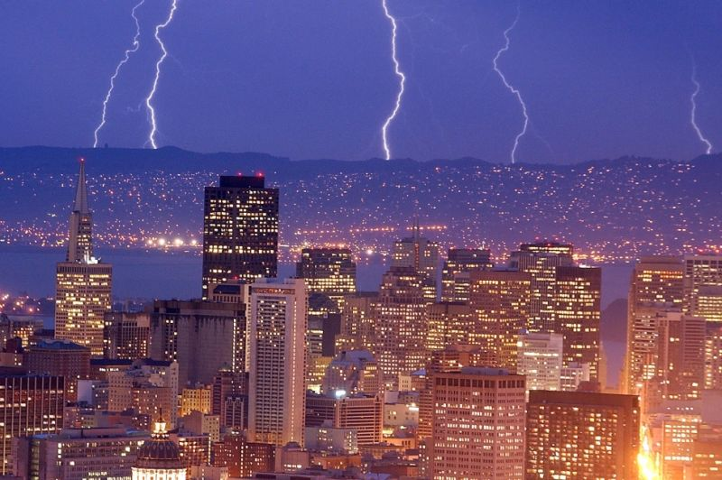 Famous thunderstorms and hurricanes in los angeles?