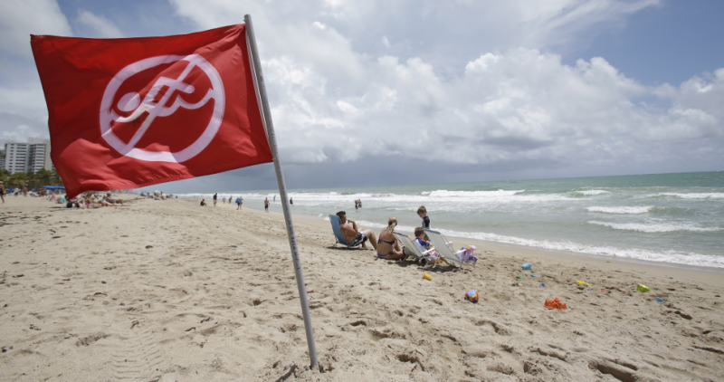 Learn How to Identify Rip Currents So You Don't Die on Spring Break