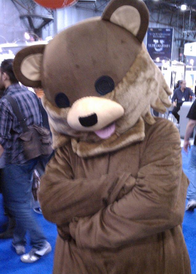 Dangerous Pedophile Mascot Pedobear Spotted at New York Comic Con