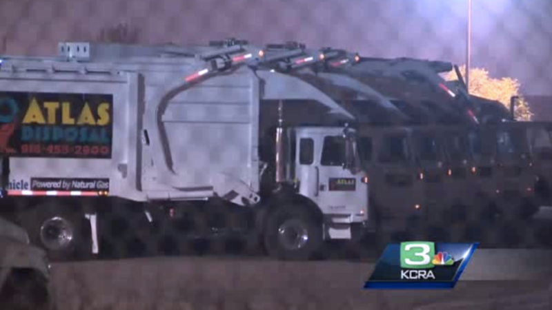 Man Falls into Garbage Truck, Survives Inside a Trash Coffin