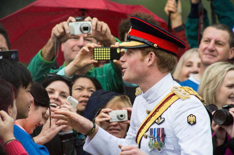 Video of Prince Harrys rejection of Australian fans